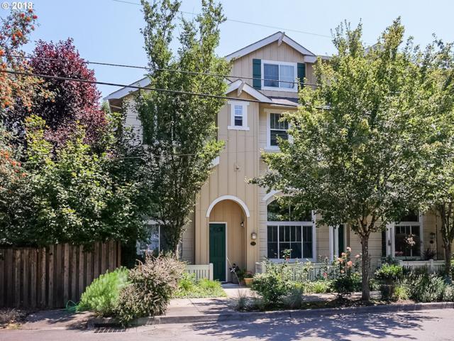 2542 SW Hume Ct, Portland, OR 97219 (MLS #18263155) :: R&R Properties of Eugene LLC