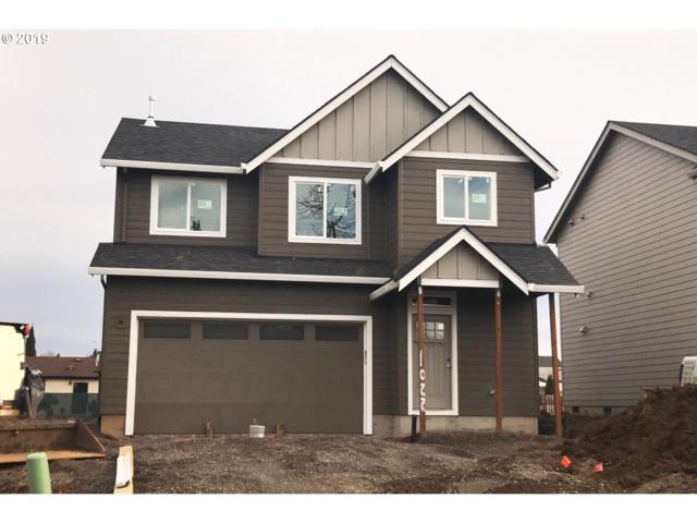 1022 Brown St, Woodburn, OR 97071 (MLS #18264365) :: Territory Home Group