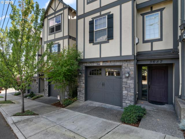 3682 SW Baird St, Portland, OR 97219 (MLS #18282990) :: Next Home Realty Connection