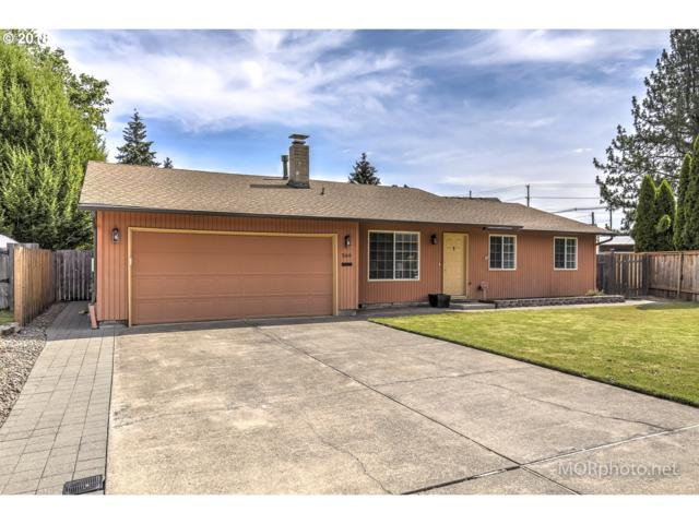 566 NE 27TH Ct, Hillsboro, OR 97124 (MLS #18284044) :: Hillshire Realty Group