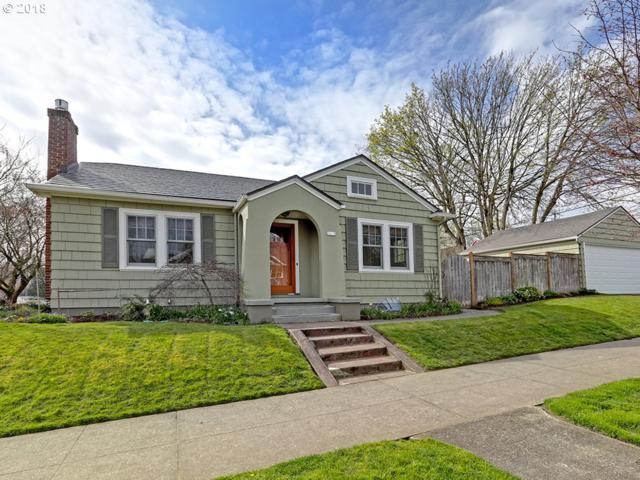 1630 SE Tolman St, Portland, OR 97202 (MLS #18291128) :: Team Zebrowski