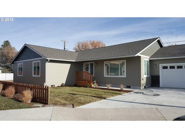 515 SW Fairway Ct SW, Prineville, OR 97754 (MLS #18295652) :: Premiere Property Group LLC