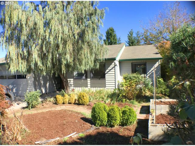 15040 SW 92ND Ave, Tigard, OR 97224 (MLS #18299808) :: The Sadle Home Selling Team