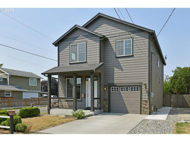 79 SE 88TH Ave, Portland, OR 97216 (MLS #18306275) :: The Sadle Home Selling Team