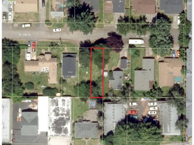 9180 SE Oak St, Portland, OR 97216 (MLS #18309144) :: Fox Real Estate Group