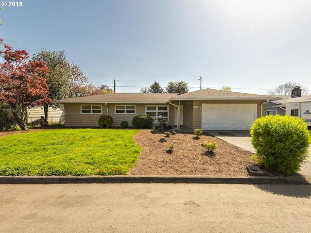 732 SE 164TH Ave, Portland, OR 97233 (MLS #18311871) :: McKillion Real Estate Group