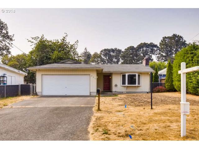 295 N 3RD St, St. Helens, OR 97051 (MLS #18313931) :: The Dale Chumbley Group