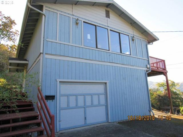 1277 SE Washington Ave, Roseburg, OR 97470 (MLS #18317893) :: Premiere Property Group LLC