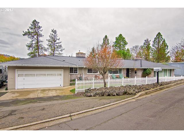 1190 SE Azalea St, Roseburg, OR 97470 (MLS #18328052) :: Townsend Jarvis Group Real Estate
