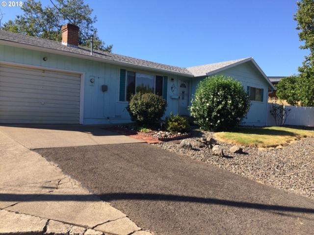 240 SE Hungerford Ln, Winston, OR 97496 (MLS #18331782) :: Keller Williams Realty Umpqua Valley