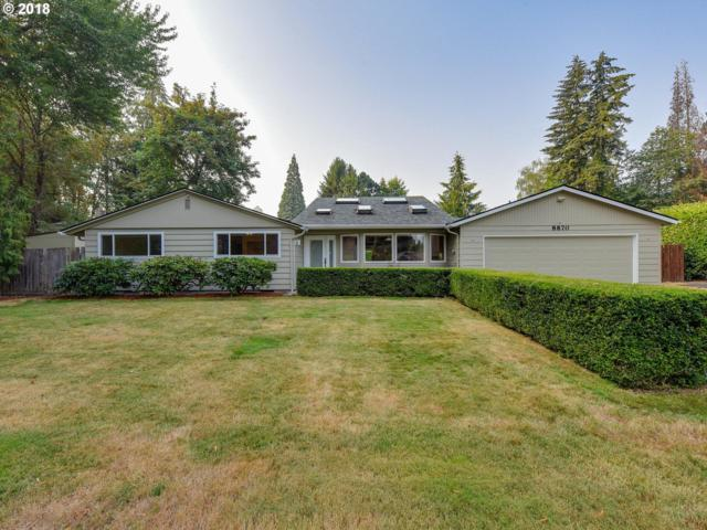 8870 SW Dolph St, Portland, OR 97223 (MLS #18332385) :: Next Home Realty Connection
