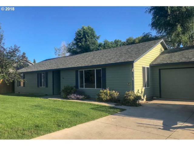 3068 SW Volcano Cir, Redmond, OR 97756 (MLS #18336808) :: Harpole Homes Oregon