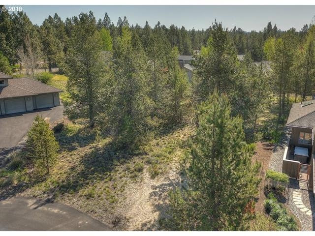19 Muir Ct, Sunriver, OR 97707 (MLS #18339373) :: McKillion Real Estate Group