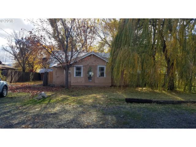 102 Lake Ave, La Grande, OR 97850 (MLS #18343980) :: Hatch Homes Group