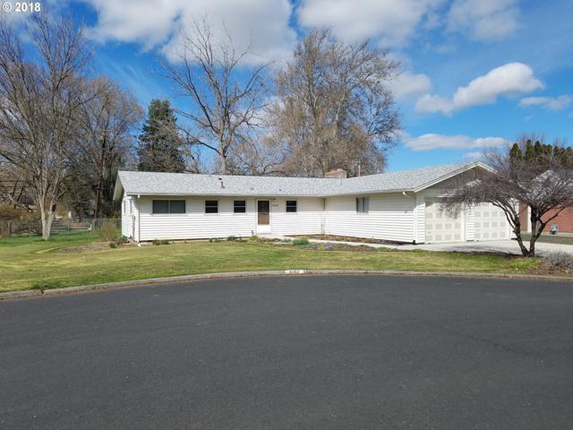 4142 SW Perkins Ct, Pendleton, OR 97801 (MLS #18345224) :: Song Real Estate
