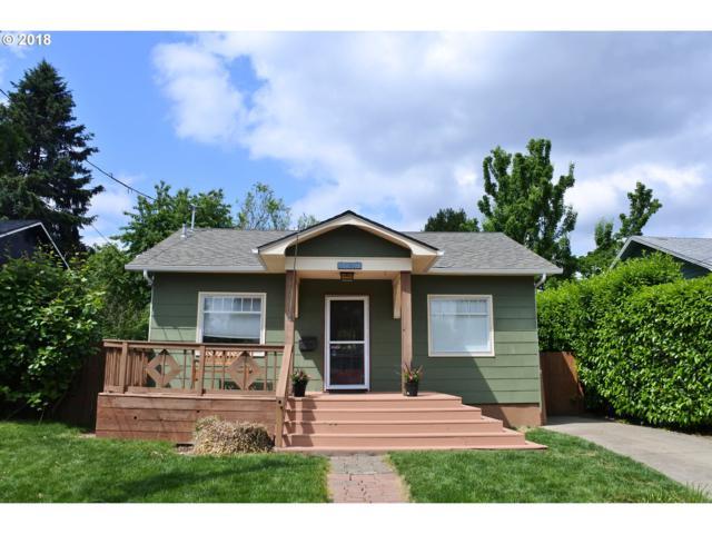 1931 SE Ellis St, Portland, OR 97202 (MLS #18347124) :: The Sadle Home Selling Team
