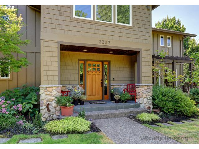 2209 NW Crestview Way, Portland, OR 97229 (MLS #18356603) :: The Sadle Home Selling Team