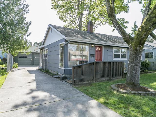 4224 SE 73RD Ave, Portland, OR 97206 (MLS #18356613) :: The Dale Chumbley Group