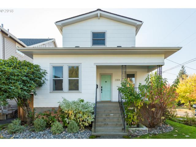 2304 SE Tibbetts St, Portland, OR 97202 (MLS #18360534) :: Hatch Homes Group