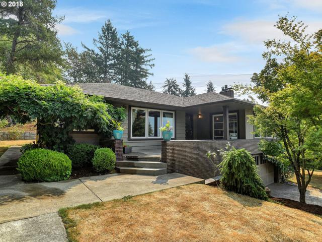 3820 SW Martins Ln, Portland, OR 97239 (MLS #18360590) :: The Sadle Home Selling Team