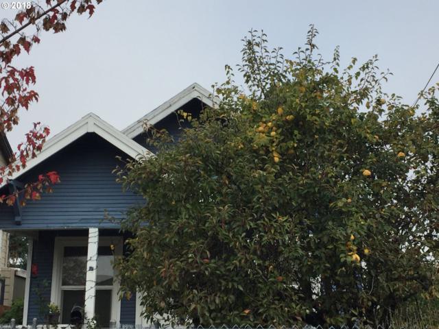 6915 SE Martins St, Portland, OR 97206 (MLS #18360889) :: Premiere Property Group LLC
