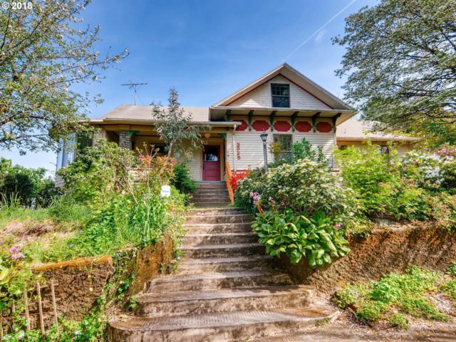 3925 SE Harold St, Portland, OR 97202 (MLS #18363432) :: Hatch Homes Group