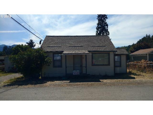 76448 Maple St, Oakridge, OR 97463 (MLS #18363546) :: Song Real Estate