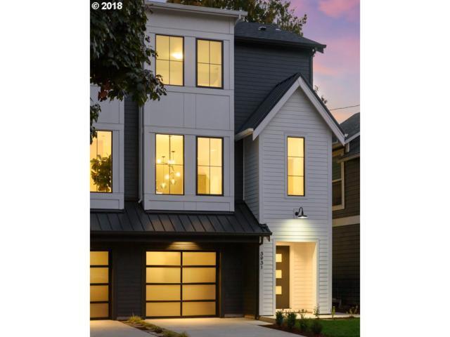 3931 SE 28th Pl, Portland, OR 97202 (MLS #18371784) :: Hatch Homes Group