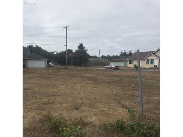 Maple St, Florence, OR 97439 (MLS #18375257) :: Harpole Homes Oregon