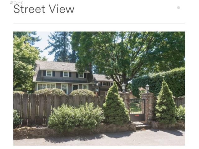 1826 SW Dolph St, Portland, OR 97219 (MLS #18378050) :: The Sadle Home Selling Team