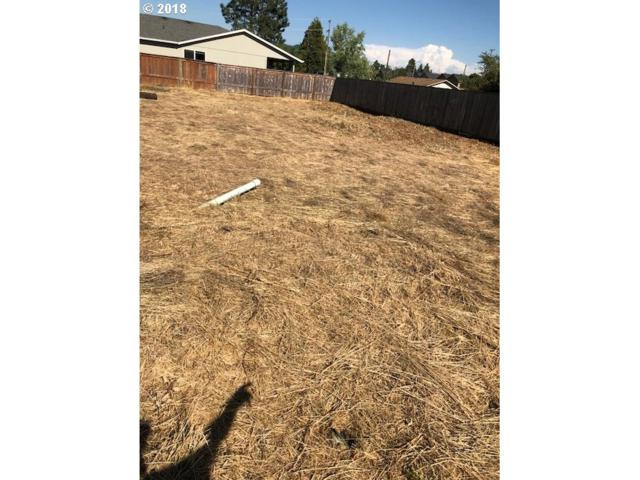 -1 S 41st Pl, Springfield, OR 97477 (MLS #18389318) :: Harpole Homes Oregon