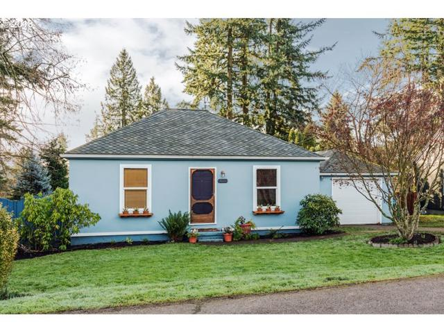 3008 SW Maricara St, Portland, OR 97219 (MLS #18390019) :: Next Home Realty Connection