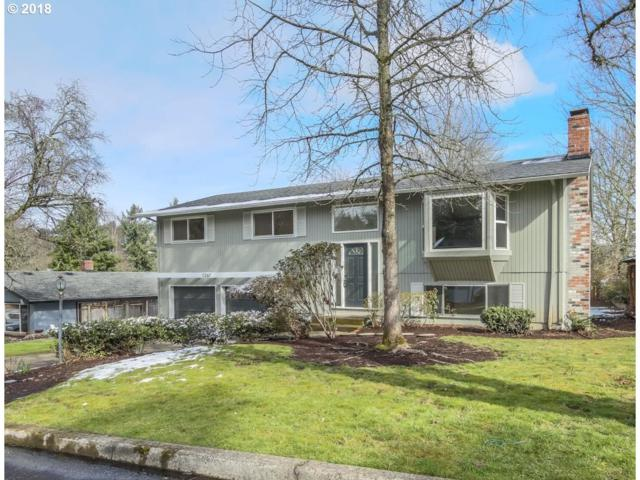 1267 Farrview Ct, West Linn, OR 97068 (MLS #18390047) :: Matin Real Estate