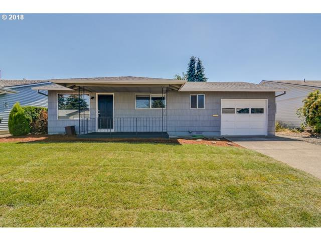2070 Santiam Dr, Woodburn, OR 97071 (MLS #18392434) :: The Dale Chumbley Group