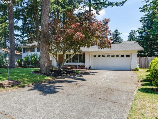 3826 SE 153RD Ave, Portland, OR 97236 (MLS #18393963) :: Team Zebrowski