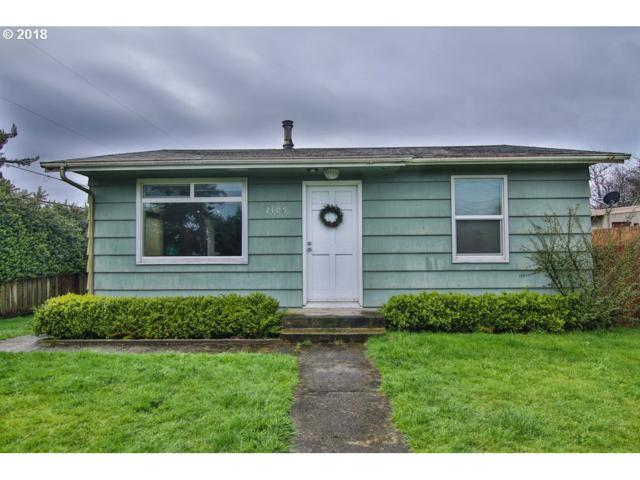 2105 Lewis, North Bend, OR 97459 (MLS #18399412) :: The Dale Chumbley Group