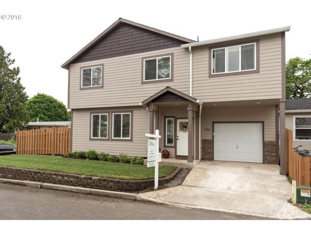 5925 SE Ogden Ct, Portland, OR 97206 (MLS #18403234) :: The Sadle Home Selling Team