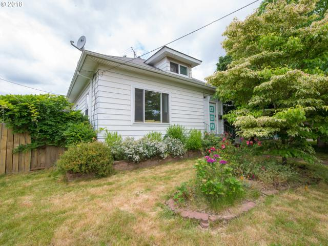 8131 SE 16TH Ave, Portland, OR 97202 (MLS #18403870) :: Hatch Homes Group