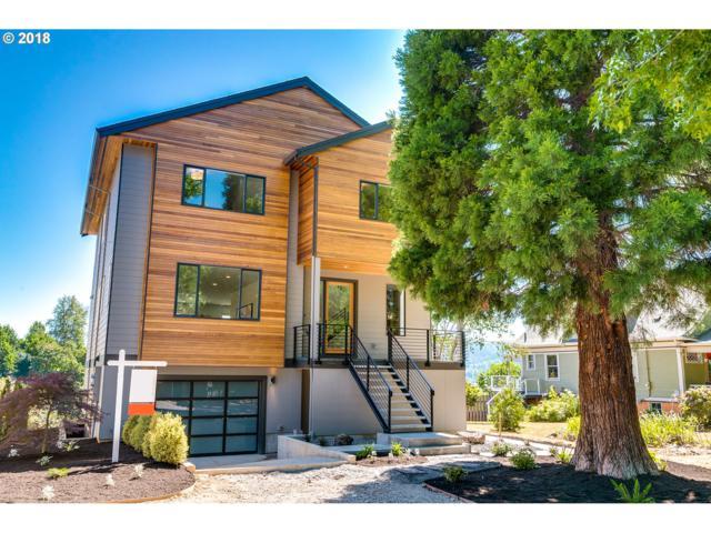 2402 N Blandena St, Portland, OR 97217 (MLS #18406319) :: The Sadle Home Selling Team