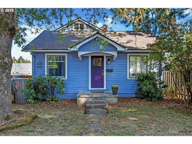 8118 SW 36TH Ave, Portland, OR 97219 (MLS #18407029) :: Hatch Homes Group
