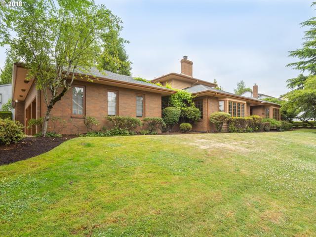 4911 SE 33RD Ave, Portland, OR 97202 (MLS #18409031) :: Hatch Homes Group