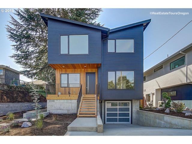 2090 NE Morgan St, Portland, OR 97211 (MLS #18412927) :: The Dale Chumbley Group