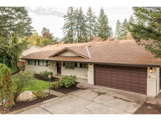 17460 SE Sunnyside Rd, Damascus, OR 97089 (MLS #18416905) :: Matin Real Estate