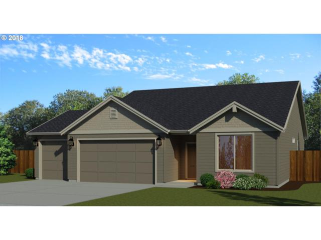 2106 SE 11th Ave, Canby, OR 97013 (MLS #18418978) :: Beltran Properties at Keller Williams Portland Premiere