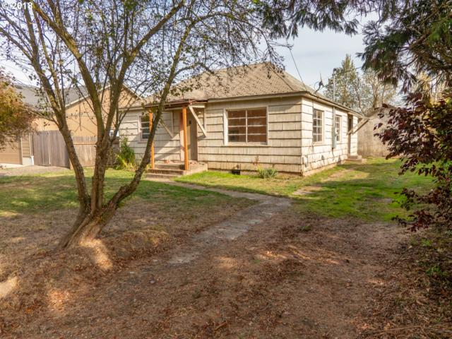 450 N 8TH St, Harrisburg, OR 97446 (MLS #18424743) :: Gregory Home Team | Keller Williams Realty Mid-Willamette
