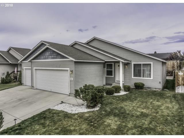 597 NE Robin Pl, Prineville, OR 97754 (MLS #18436300) :: McKillion Real Estate Group