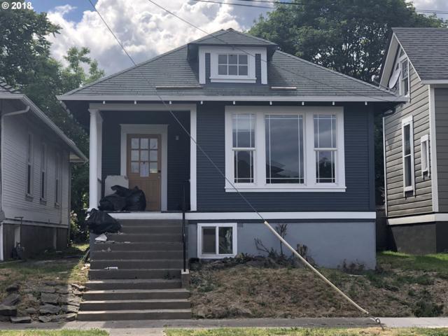 3411 SE 13TH Ave, Portland, OR 97202 (MLS #18437489) :: Team Zebrowski