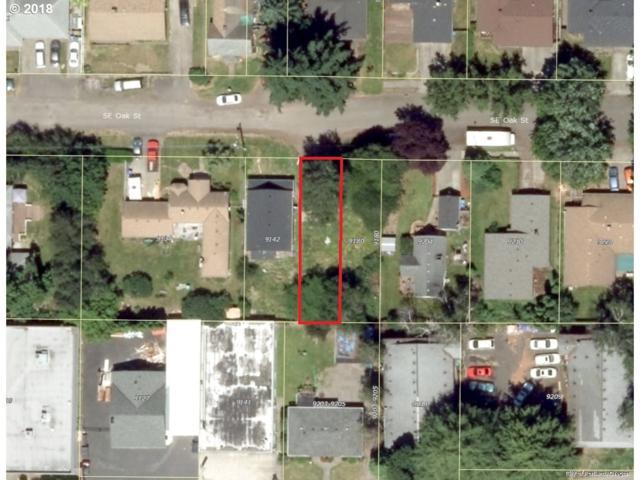 0 SE Oak St, Portland, OR 97216 (MLS #18441076) :: Fox Real Estate Group