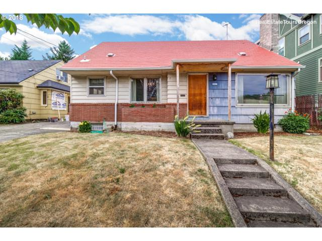 1825 SE Clatsop St, Portland, OR 97202 (MLS #18441601) :: Harpole Homes Oregon