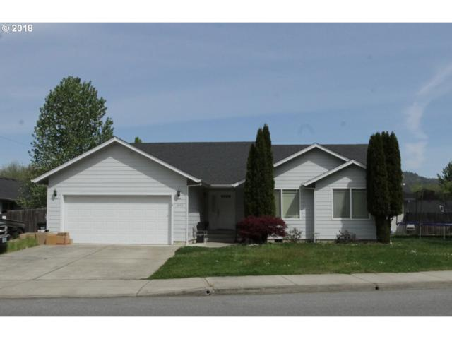 2452 SE Waldon Ave, Roseburg, OR 97470 (MLS #18441691) :: Keller Williams Realty Umpqua Valley